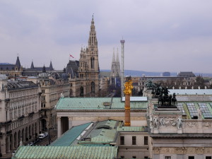 ABB.: Aussicht aus dem Justizcafé in Richtung Rathaus